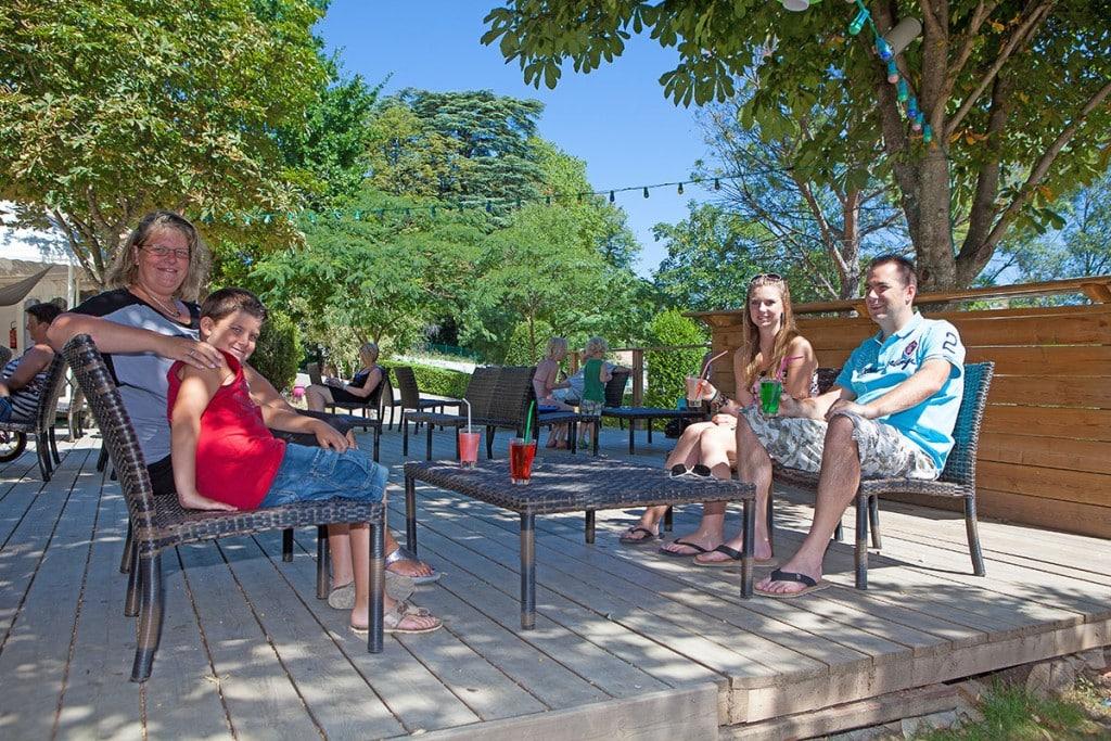 bar-terrasse-ardeche-camping-privas
