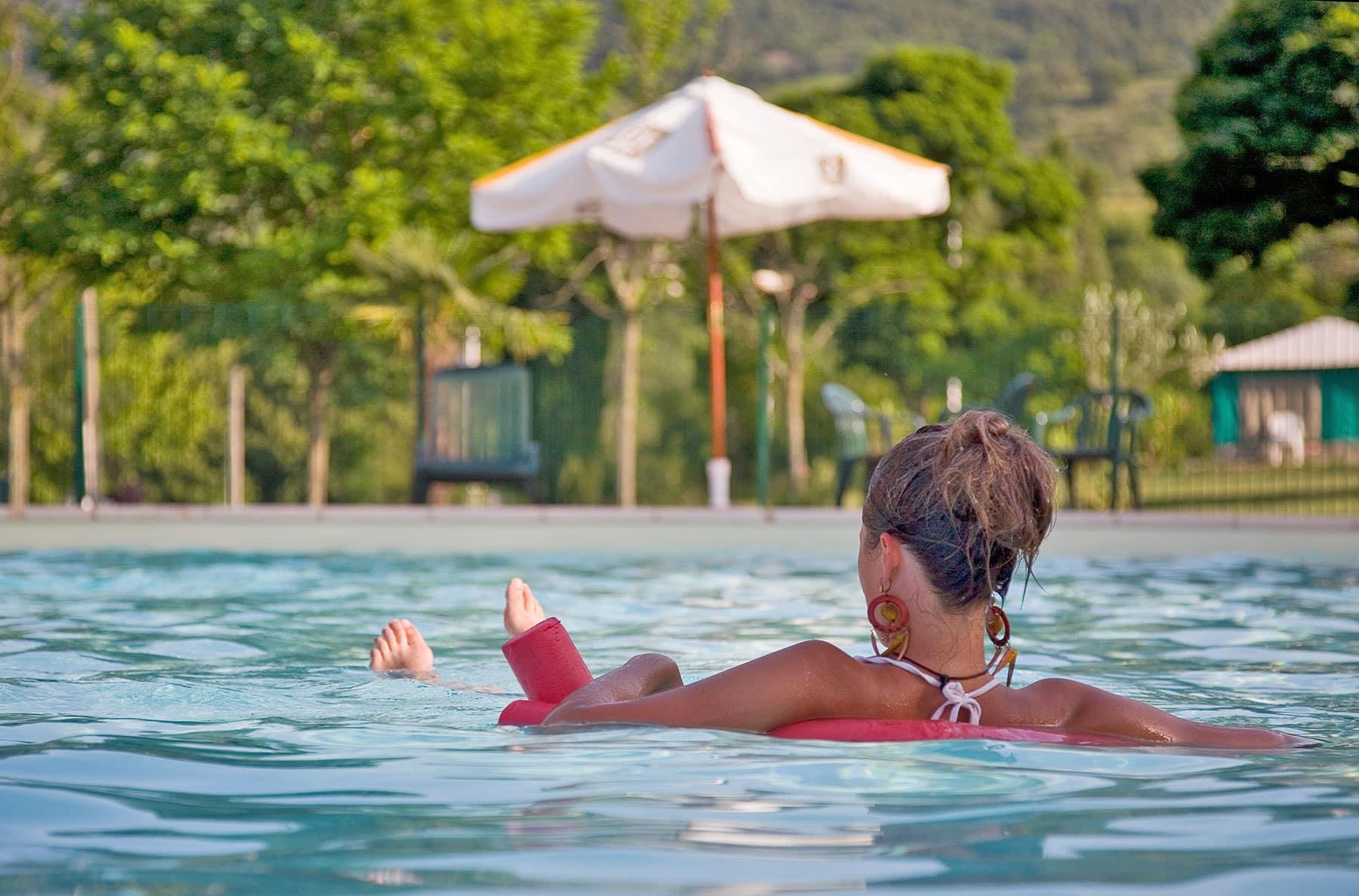 Ardeche camping piscine chauff e et couverte toboggans for Camping en ardeche avec piscine et toboggan