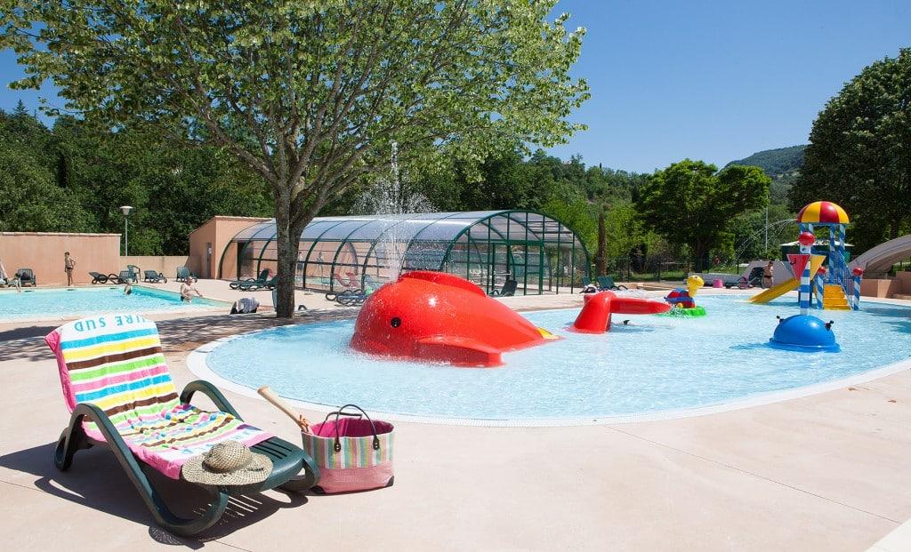 Ardeche camping piscine chauff e et couverte toboggans Camping ouvert toute l annee avec piscine couverte