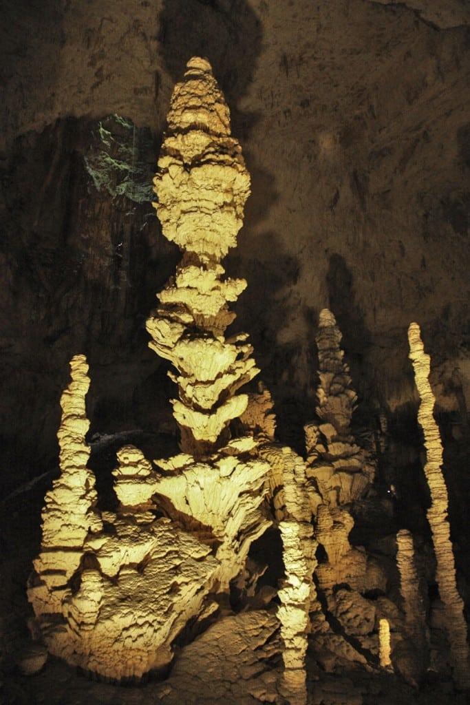©L.Clara-ADT07-Aven-Orgnac-grotte-ardeche-camping