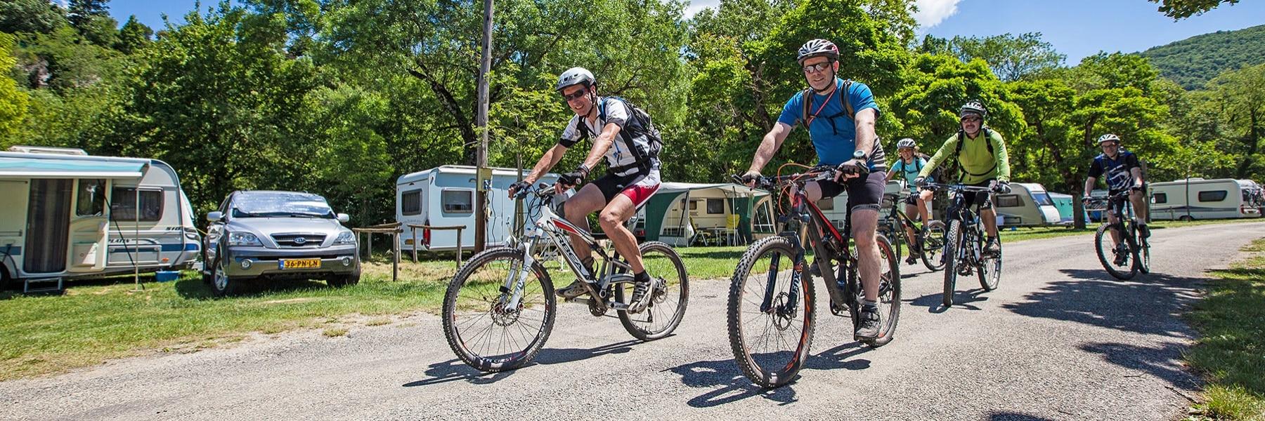 Clubs de cyclotourisme, de randonnée et de motards